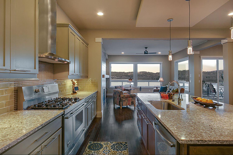 Kitchen-large.jpg